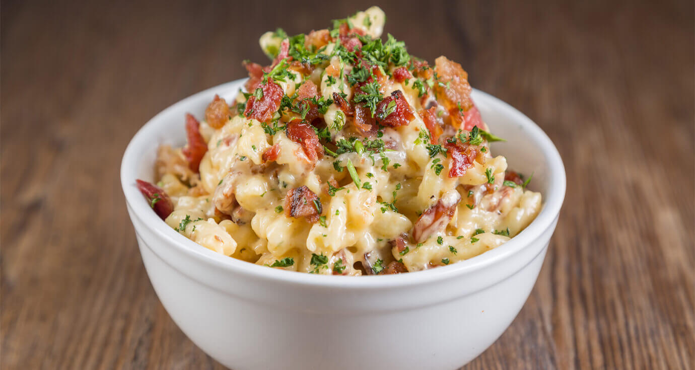 Image of macaroni and cheese with bacon